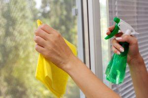 отмыть скотч от стекла