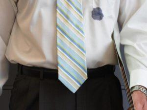 пятно на одежде от чернил шариковой ручки