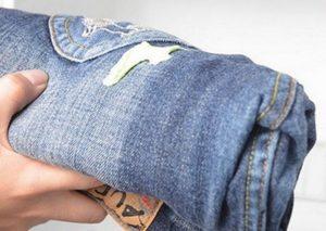 Как вывести монтажную пену с одежды
