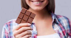Чем и как можно отстирать шоколад с одежды в домашних условиях