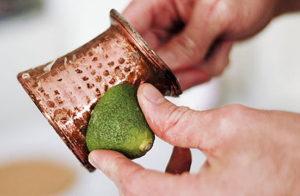 Чем можно чистить латунь в домашних условиях