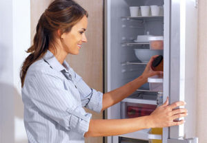 Чем можно мыть холодильник, чтобы не было запаха