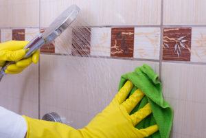 Чем мыть плитку в ванной, чтобы блестела