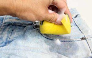 Как и чем отмыть машинное масло с одежды