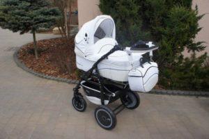 Как и чем отстирать плесень на детской коляске