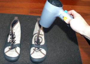 Как можно быстро высушить обувь