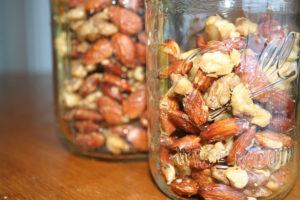 Как нужно хранить орехи в домашних условиях