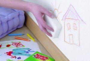Как отмыть следы от ручки с обоев в домашних условиях