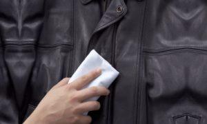 Как отстирать засаленные рукава на куртке