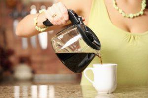 Как вывести пятно от кофе с одежды в домашних условиях