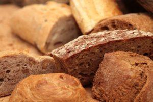 Можно ли хранить хлеб в холодильнике и сколько времени